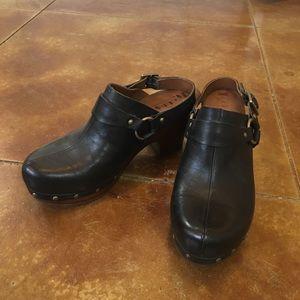 Women's Kork-Ease Size 9 Black leather wood sole.